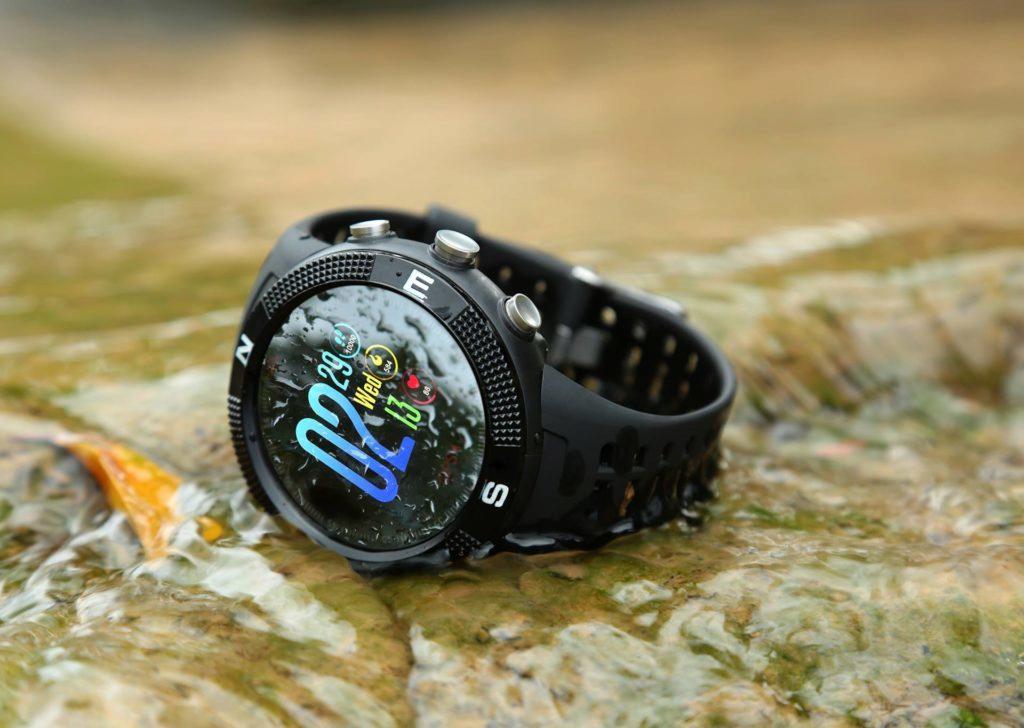 NO.1 F18-chytre hodinky