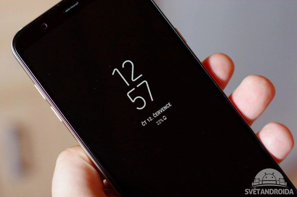 Samsung Galaxy A6+ Ambientní displej