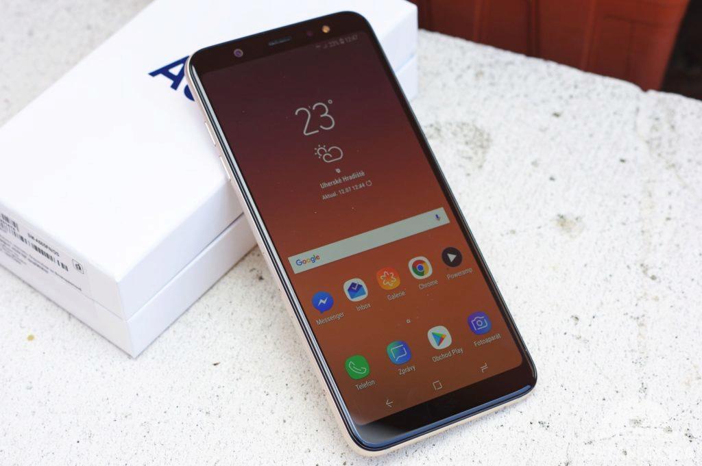 Samsung Galaxy A6+ přední strana