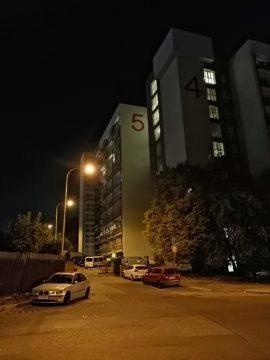 Honor-8X-fotografie-noc-hotel.