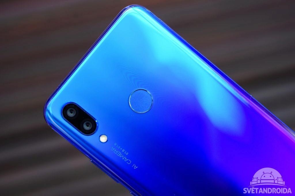 Huawei Nova 3 čtečka otisků
