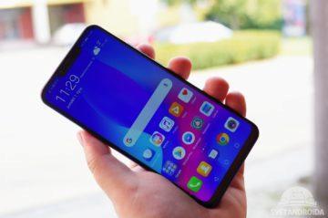 Huawei Nova 3 držení