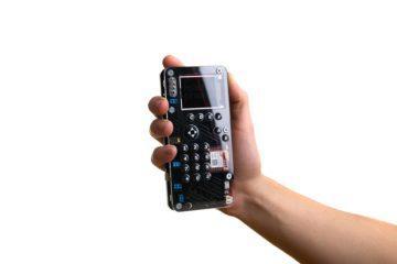 MakerPhone v ruce
