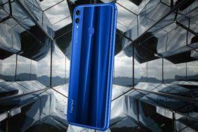 Většina telefonů bude mít v roce 2020 skleněná záda