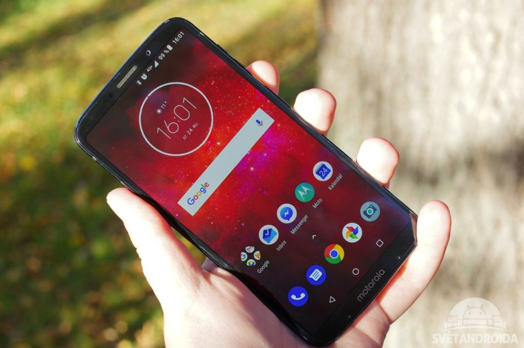 Motorola Moto Z3 Play displej