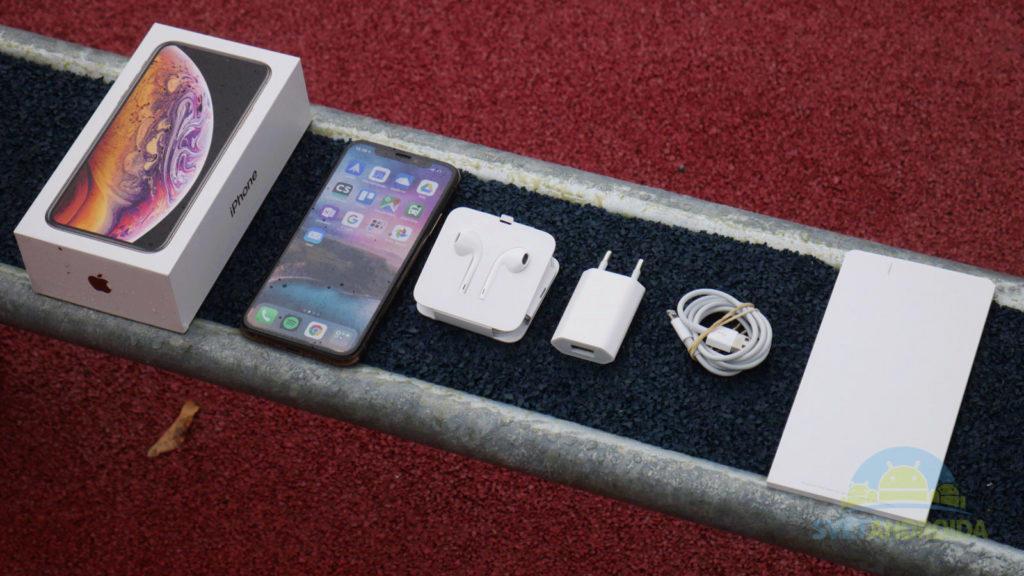 iPhone XS obsah balení