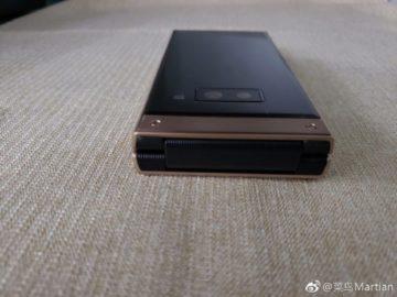 Samsung W2019 bez 3,5mm jacku 02