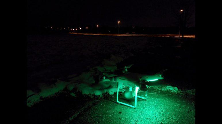 DJI Phantom Vision 2 stabilita a světelná indikace v noci