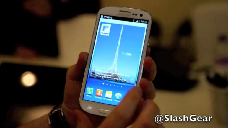 Flipboard Hands-on with Galaxy S III on Android