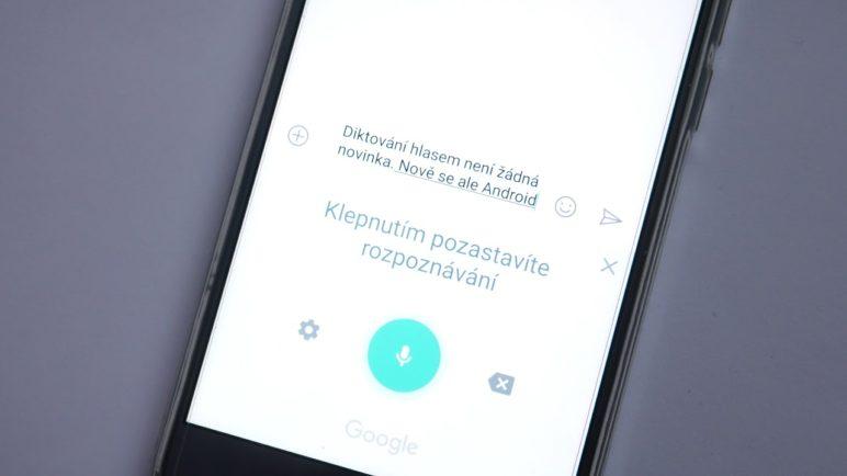 Google umí perfektně česky: Nově nadiktujete zprávy včetně teček a čárek