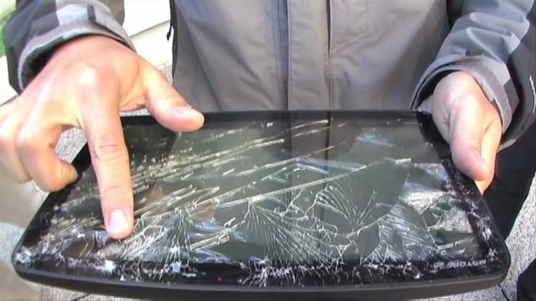 iPad 2, Motorola Xoom, Samsung Galaxy: Drop Test Comparison