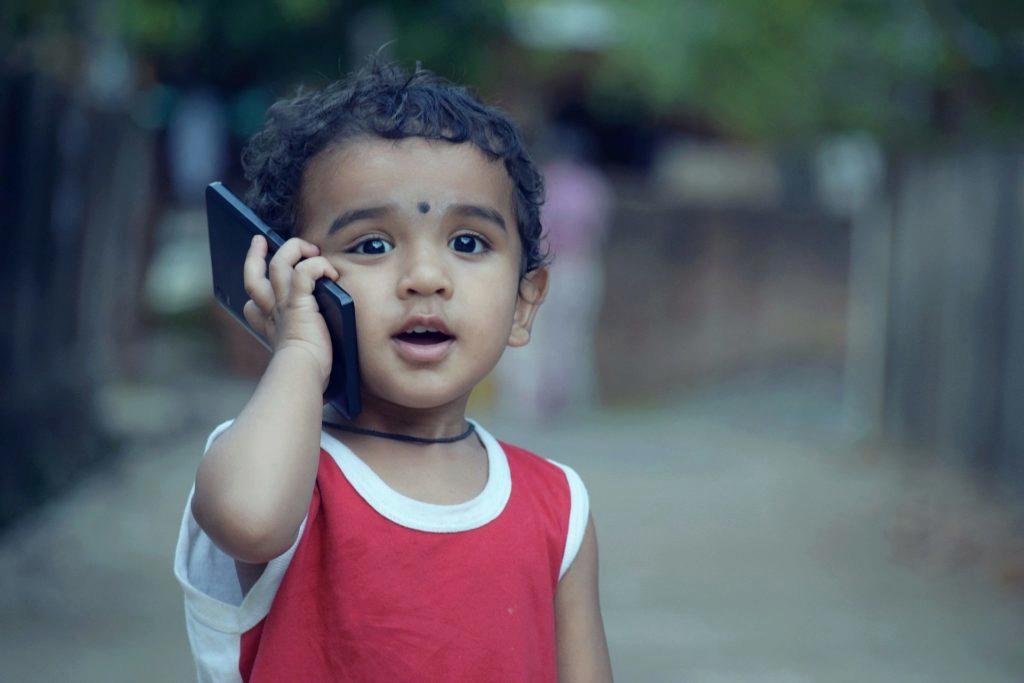 Kontrolujete, co dělají (vaše) děti na mobilu?