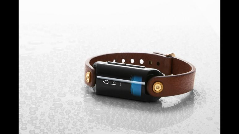 LVL is the first ever wearable hydration monitor.