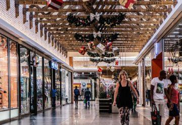 Nakupování v obchodech má své výhody, ale i nevýhody
