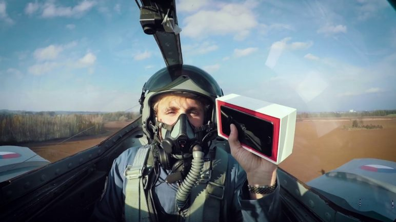 OnePlus 3T #ExtremeUnboxing – FIGHTER JET