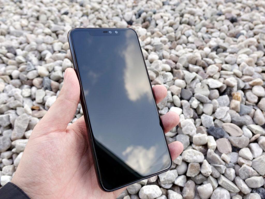 Přední strana  Xiaomi Redmi Note 6 Pro