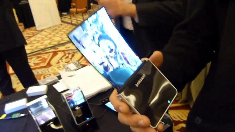 Samsung Flexible OLED display Hands-on