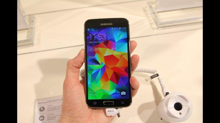 Samsung Galaxy S5 (Podrobný video pohled)