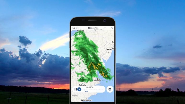 Storm Radar: Rewind and Fast Forward your Weather