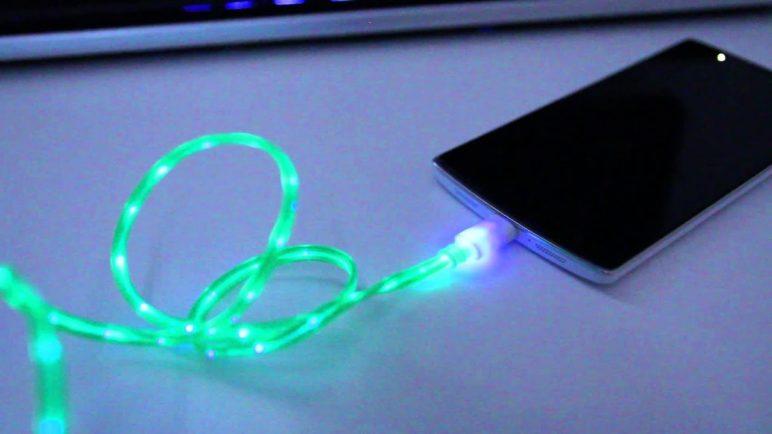 Svítící USB kabel - SvetAndroida.cz