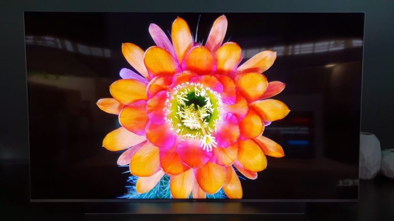 TCL MiniLED Backlight 4K TV Prototype [4K UHD]