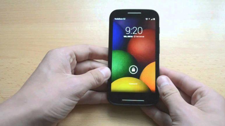 Telefon Motorola Moto E - první pohled