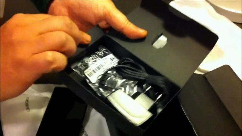 Unboxing Giorgio Armani Samsung Galaxy GT-I9010