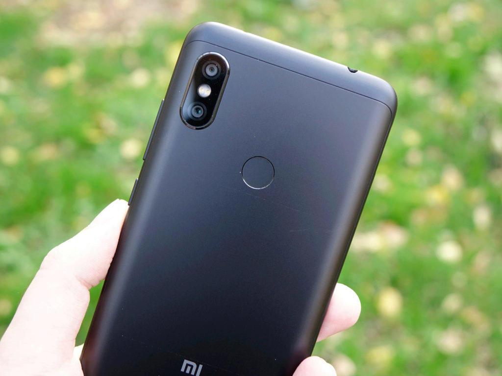 Zadní strana 2 Xiaomi Redmi Note 6 Pro