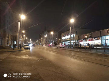 Xiaomi Mi 8 Lite fotografie nocni ulice