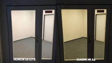 fototest Xiaomi Mi A2 vs Honor 10 Lite umele osvetleni dvere