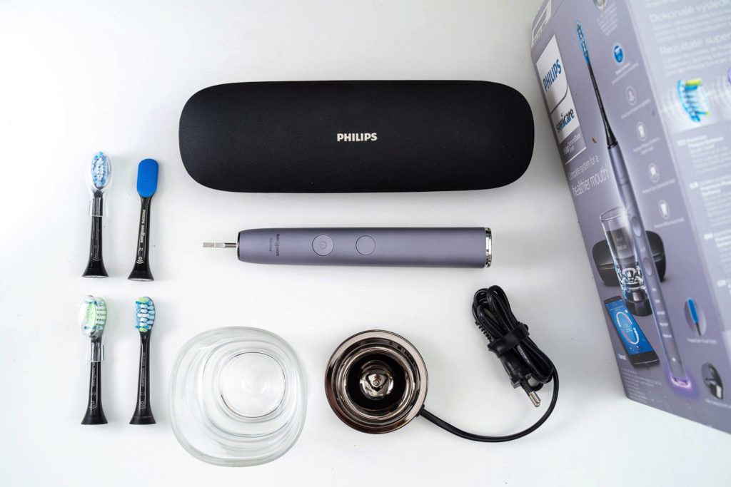 Philips Sonicare DiamondClean Smart obsah baleni