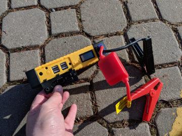 Viking Car Jump Starter Zulu konektory pro nabijeni telefonu notebooku a napajeni