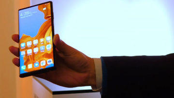 Huawei Mate X predni displej
