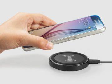 Jak nabíjíte telefon: kabelem, či bezdrátově?
