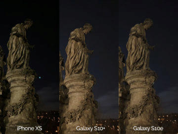 Noční fotografie Samsung Galaxy S10 vs Apple iPhone XS socha