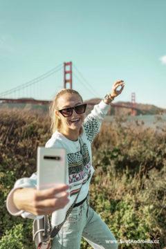 Samsung Galaxy S10+ Ceramic White foceni selfie