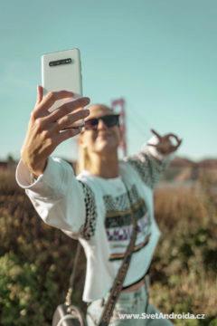 Samsung Galaxy S10+ Ceramic White testovani fotoaparatu s miss