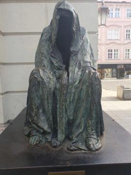 Samsung Galaxy S10 fotografie socha v praze