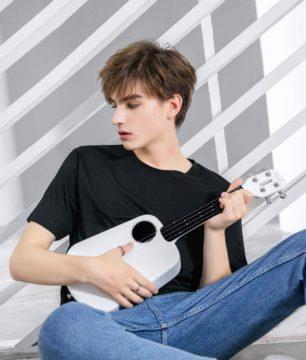 Xiaomi Populele 2 hrani na ukulele