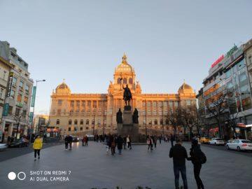 Fotografie Xiaomi Redmi 7 svatý václav náměstí