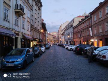 Fotografie Xiaomi Redmi 7 ulice prahy