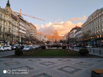 Fotografie Xiaomi Redmi 7 západ slunce václavské náměstí