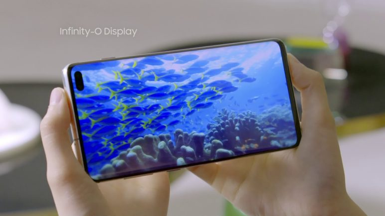 [Hands-On] The Galaxy S10's Dynamic Display