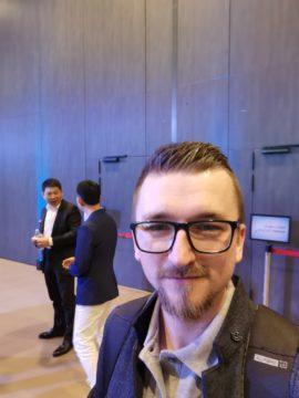 Huawei P30 Pro fotografie selfie s bossem