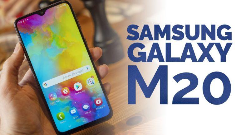 První pohled na Samsung Galaxy M20. Levný mobil s obří 5 000 mAh baterií