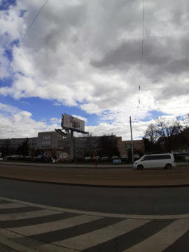Samsung Galax M20 testovací fotografie ulice