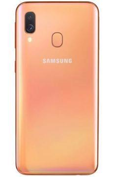 Samsung Galaxy A40 oranžová barva