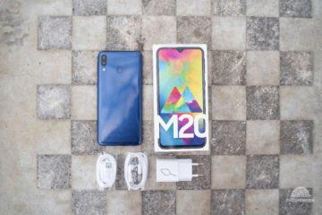 Samsung Galaxy M20 obsah balení