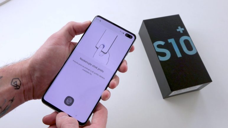 Videorecenze Samsung Galaxy S10 a 10+. Telefony, které jsou téměř dokonalé