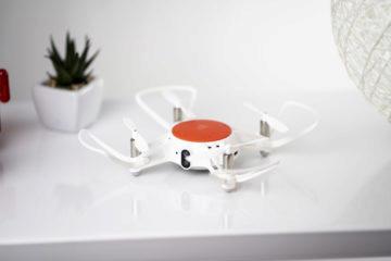 Levný dron Xiaomi baterie